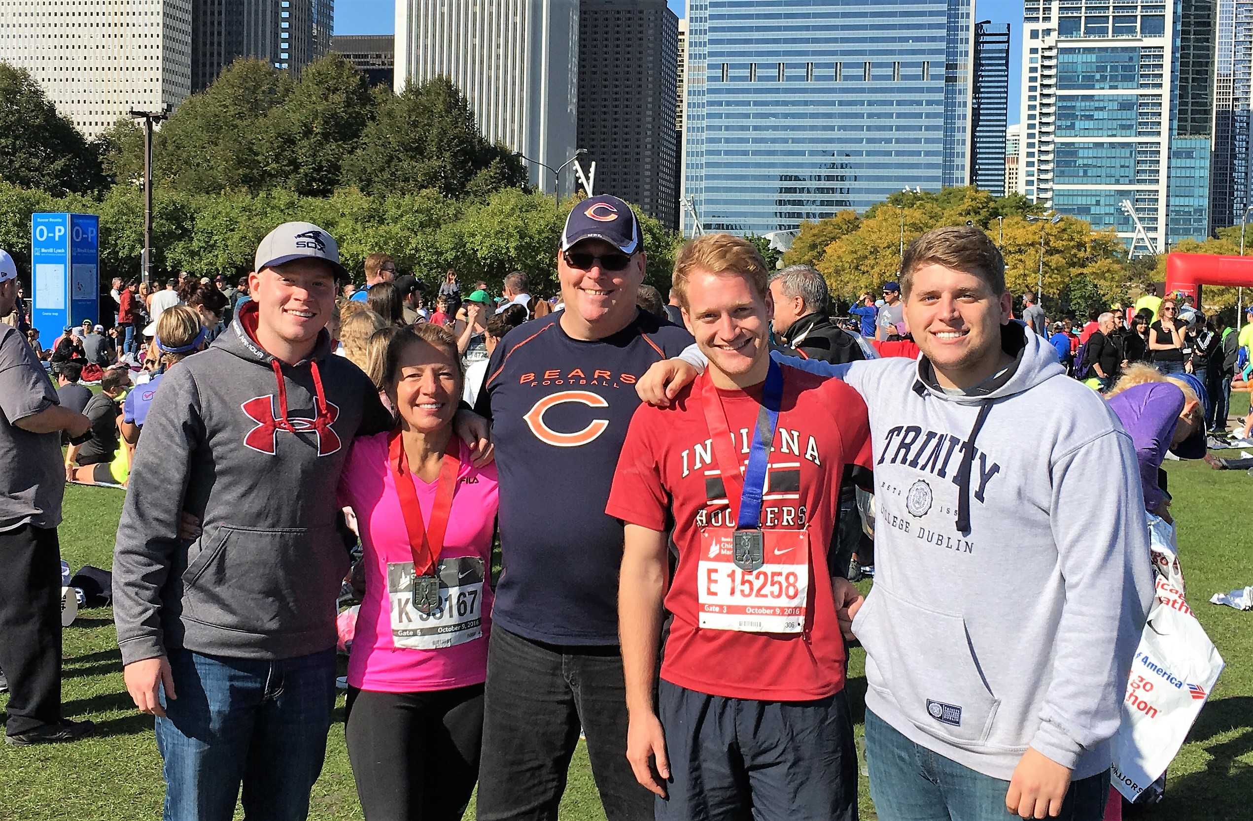 2016 Chicago Marathon Finish with the Family