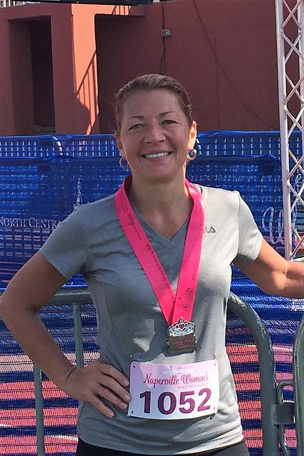 2016 Naperville Women's Half Finish